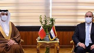 The Minister of Civil Aviation of the Arab Republic of Egypt meets the Ambassador of the Kingdom of Bahrain in Cairo