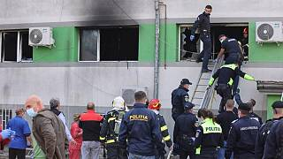 فيديو: مقتل سبعة أشخاص جراء حريق بمستشفى لمرضى كوفيد-19 في رومانيا