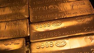 الذهب يصعد بدعم نزول الدولار ويتجه لمكسب أسبوعي