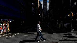 وفيات كوفيد-19 تتجاوز 700 ألف في أمريكا