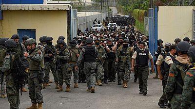 حكومة الإكوادور تعلن وضع السجون تحت سيطرة الشرطة والجيش بعد أعمال شغب دامية