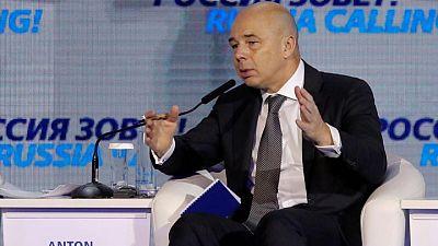 وزير المالية الروسي يعزل نفسه مع زيادة الإصابات بكوفيد-19