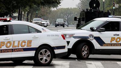 شرطة الكونجرس تعتقل رجلا أوقف مركبة مريبة أمام المحكمة العليا الأمريكية