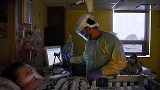 حقائق-إصابات كورونا العالمية تتجاوز 235.93 مليون والوفيات 5 ملايين و22965