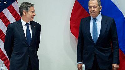 بلينكن يقول إنه بحث مع لافروف الاتفاق النووي الإيراني
