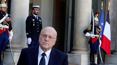 """رئيس وزراء لبنان يقول إنه وقع مشروع قانون """"برفع الحصانة عن الجميع"""""""