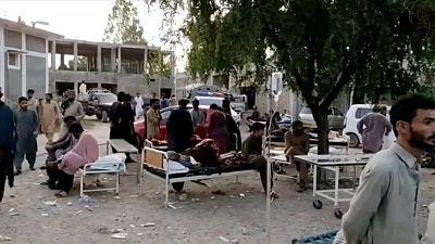 مقتل نحو 20 وإصابة المئات في زلزال بجنوب باكستان