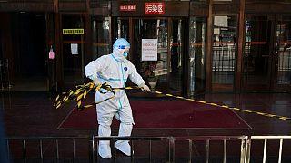 الصين تسجل 25 إصابة جديدة مؤكدة بفيروس كورونا