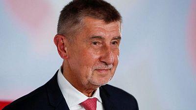رئيس وزراء التشيك الملياردير بابيس يسعى للفوز بفترة ثانية