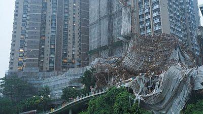 هونج كونج ترفع مستوى التحذير من العواصف مع اجتياح إعصار ليونروك بحر الصين الجنوبي