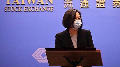 رئيسة تايوان تقول إن البلاد لن تجبَر على الخضوع للصين