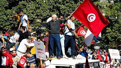 آلاف ينظمون احتجاجا ضد الرئيس التونسي في العاصمة