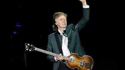 بول مكارتني يحمل جون لينون مسؤولية تفكك فريق البيتلز