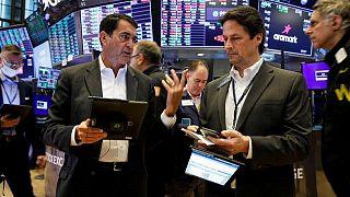 بورصة وول ستريت تغلق منخفضة قبيل تقارير أرباح الشركات ومحضر اجتماع مجلس الاحتياطي