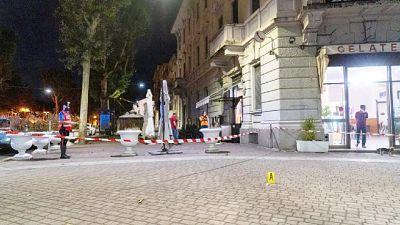 Il filmato di una telecamera davanti alla piazza di Voghera
