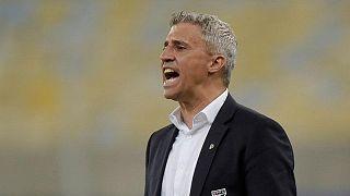 رحيل هرنان كريسبو عن تدريب ساو باولو بعد ثمانية شهور